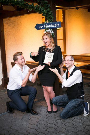 copyright_Elke_HolzmannHat over Heels_wedding_award_klein