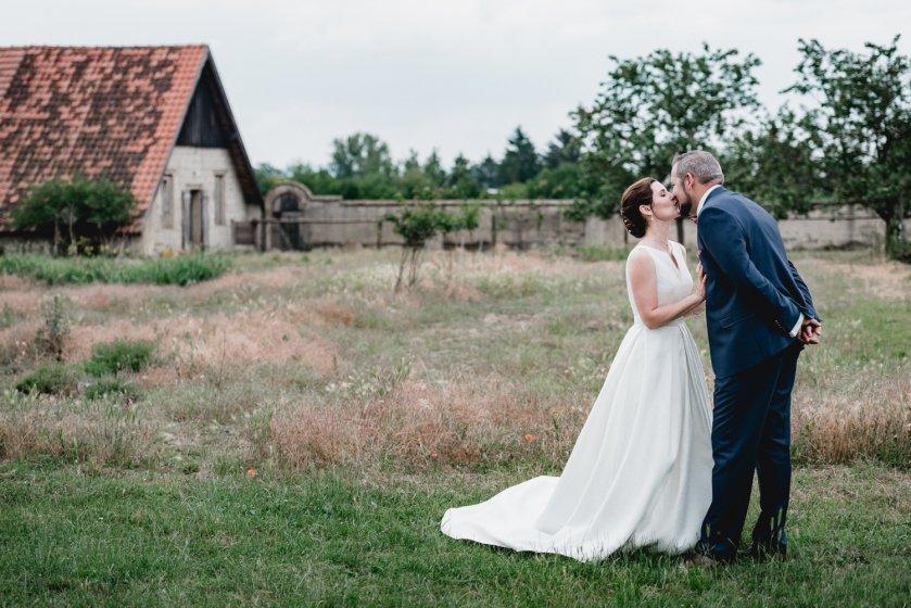gut-oberstockstall_hochzeitslocation_constantin_wedding_20180914170021648388