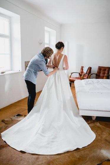 gut-oberstockstall_hochzeitslocation_constantin_wedding_20180914170308365931