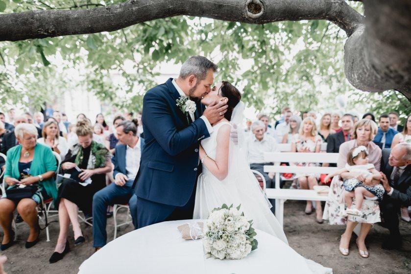 gut-oberstockstall_hochzeitslocation_constantin_wedding_20180914170424552403