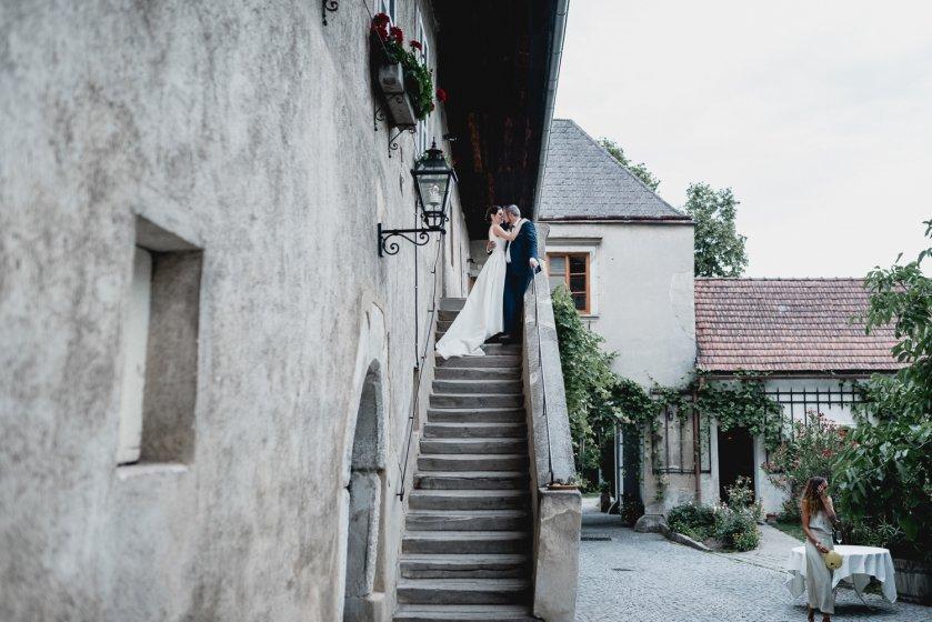 gut-oberstockstall_hochzeitslocation_constantin_wedding_20180914170655357558