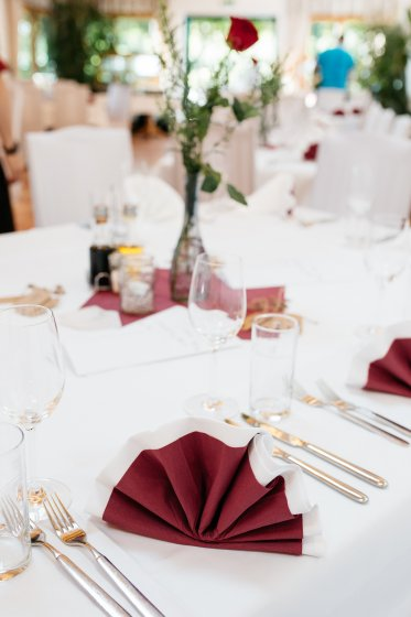 heurigen-restaurant-schotten_hochzeitslocation_a_tale_of_hearts_20190412090356185863