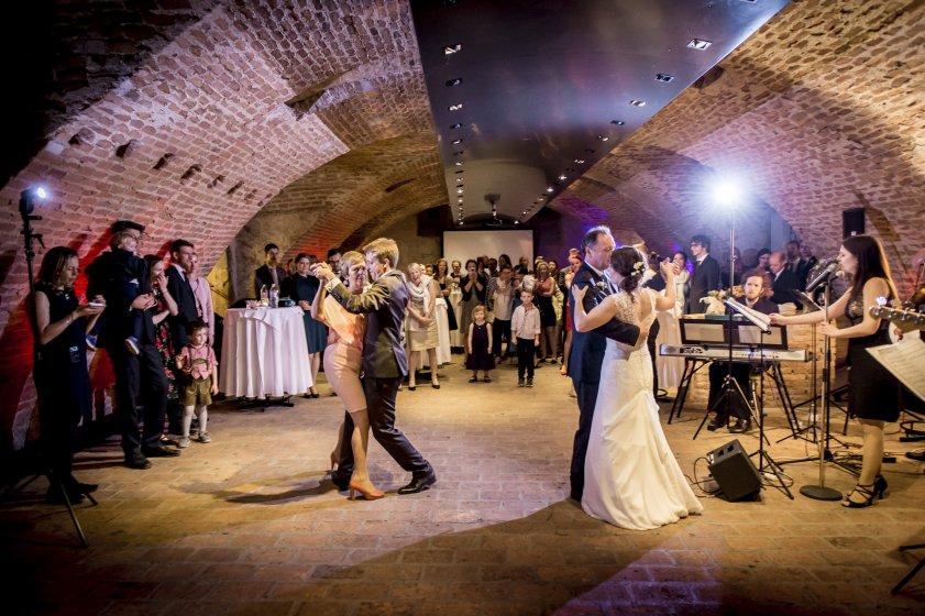 pfarrwirt--das-lteste-wirtshaus-wien_hochzeitslocation_weddingreport_00004