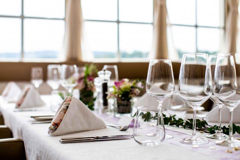 restaurant-tuttendrfl_hochzeitslocation_eure_hochzeitsfotografen_20190727125854285091