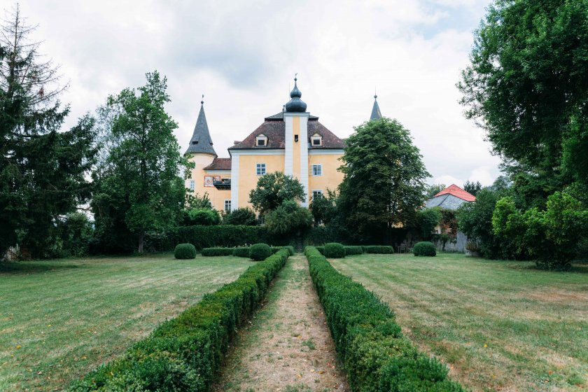 schloss-mhldorf_hochzeitslocation_roses_&_lavender_photography_00020