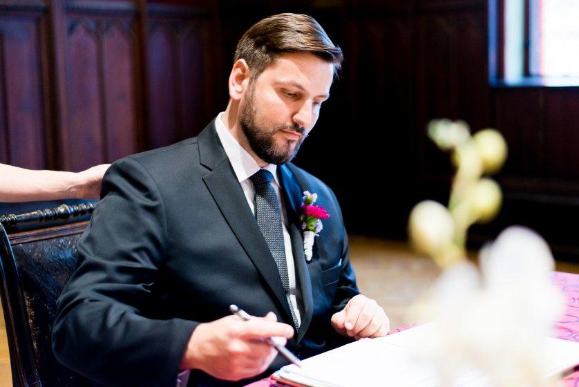 standesamt-korneuburg_hochzeitslocation_constantin_wedding_20180914112523828209