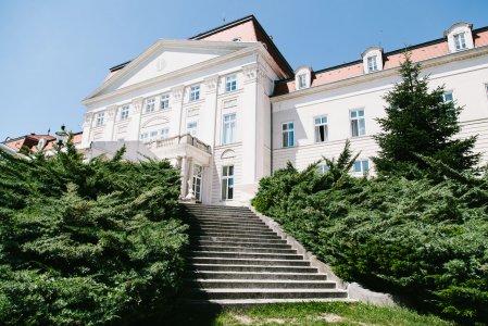 austria-trend-hotel-schloss-wilhelminenberg_hochzeitslocation_mit_federn_&_posaunen_20190422122642798265