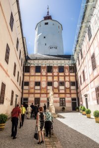 burg-forchtenstein_hochzeitslocation_memories_&_emotions_photography_00003