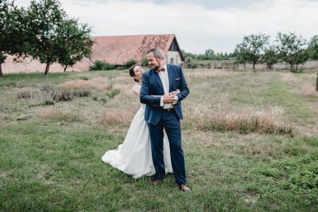 gut-oberstockstall_hochzeitslocation_constantin_wedding_20180914165950220210