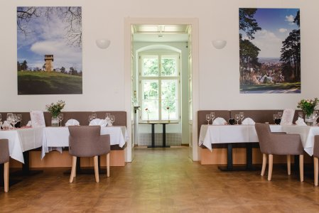 restaurant-gloriette-eisenstadt_hochzeitslocation_memories_&_emotions_photography_00002