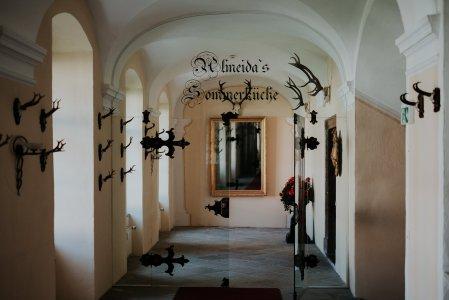 schlosshotel-mondsee_hochzeitslocation_avec_le_coeur_20200413192316534544